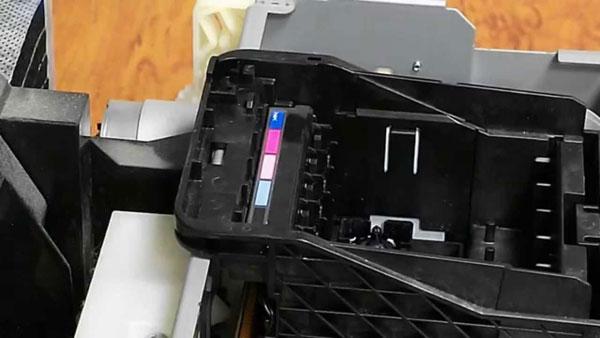 Извлечение (печатающей головки) ПГ из принтера Epson P50
