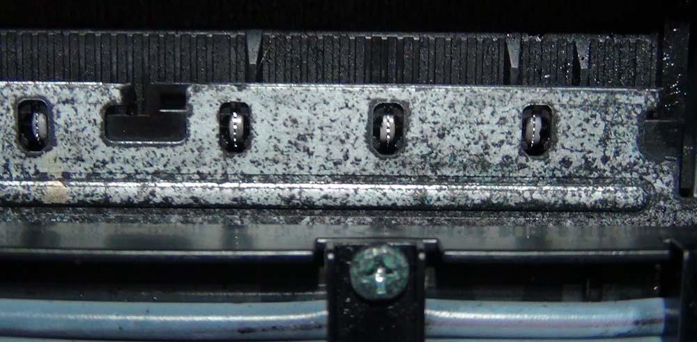 Чернила въелись в железо принтера