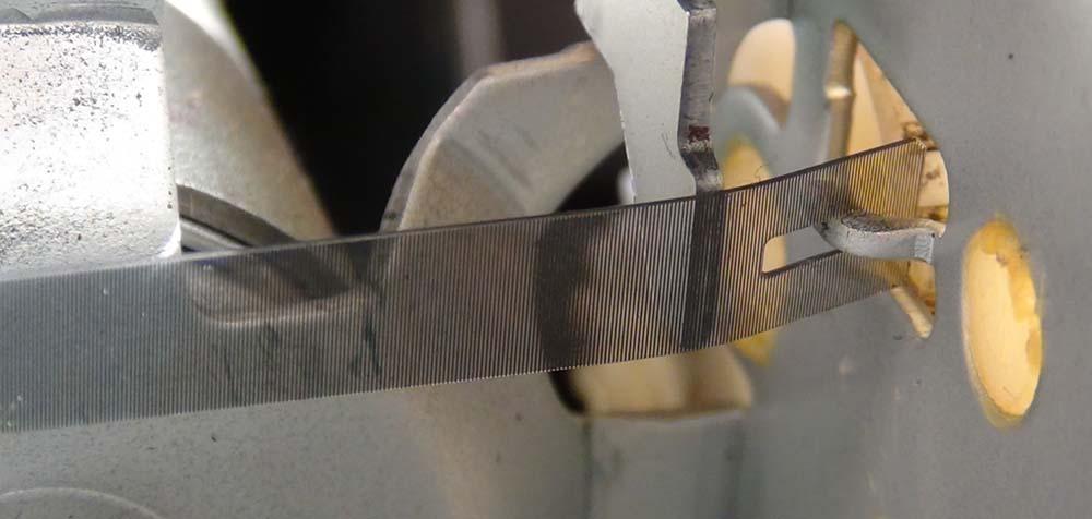 Крепление энкодерной ленты справа. Epson
